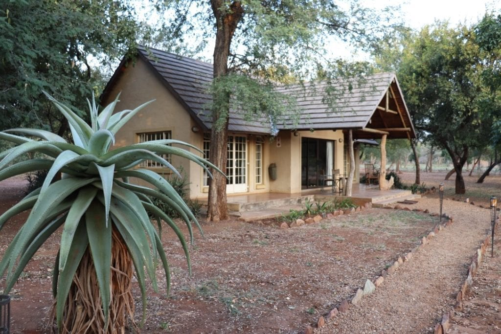 Murchison view cottage exterior 2