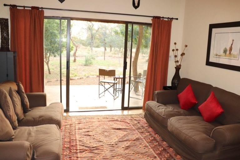 Murchison view cottage living